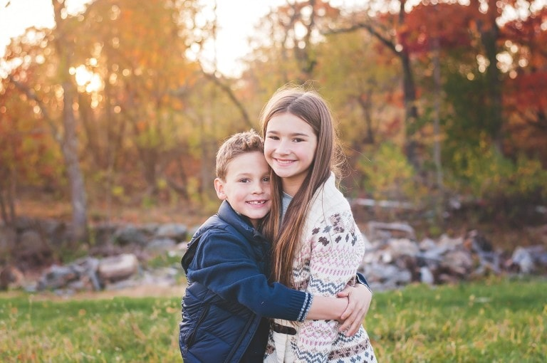 tween-boy-girl-hugging